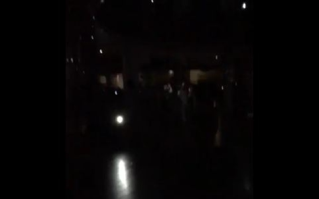 Dubai Mall briefly plunges into darkness by power outage