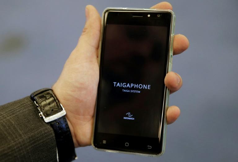 Empresa rusa presenta un celular a prueba de pirateos