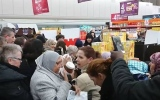 Photo: French shoppers go nuts for Nutella discount