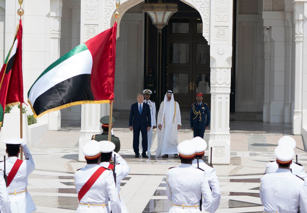 Mohamed bin Zayed receives Kazakh President - Emirates24|7