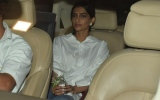 Photo: Jaya Bachchan's 70th birthday: Sonam, Sara, Sonali, Karan...