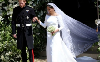 Photo: Duchess Meghan wanted wedding dress to 'represent' change