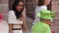 الصورة: Queen Elizabeth gave Duchess Meghan pearl earrings for royal engagement