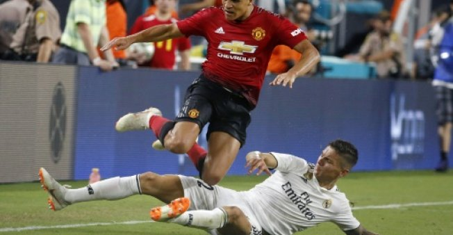 Manchester United Hold On To Beat Real Madrid 2 1 Sports
