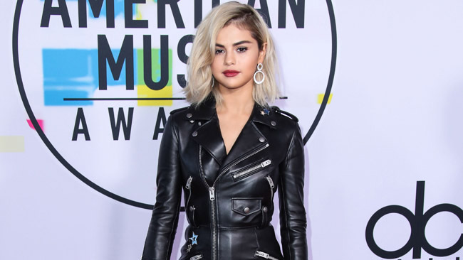 Who is selena gomez dating august 2020