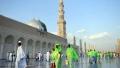 الصورة: Over 1m pilgrims arrive in Saudi Arabia