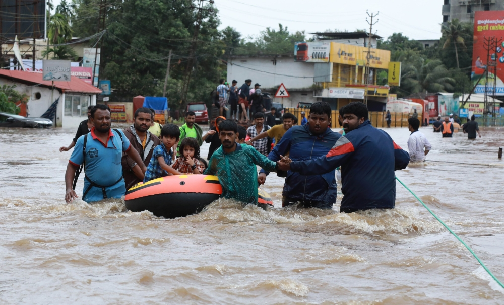 الصورة: Khalifa bin Zayed Al Nahyan Foundation collects Dh10m in donations by Indian businessmen for Kerala flood victims
