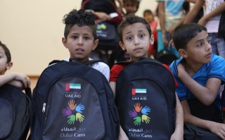 الصورة: Dubai Cares distributes 50,000 school kits to Syrian children in Jordan