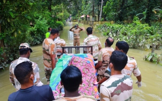 الصورة: Indian military scales down flood rescue operations