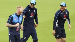 الصورة: England's Bairstow 'desperate' to keep gloves against India despite injury