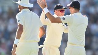 الصورة: England bat against India in fifth Test