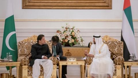 الصورة: Mohamed bin Zayed, Pakistani Premier discuss bilateral ties, global issues