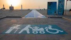الصورة: Dedicated walkways for People of Determination at Dubai beaches