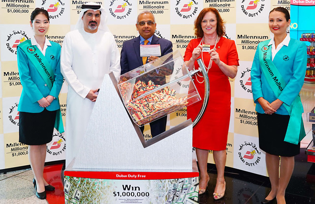 Dubai Duty Free announces two winners of $1m