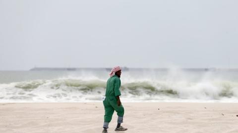 Photo: Tropical storm kills three in Oman, Yemen
