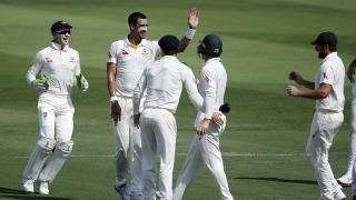 Photo: Pakistan lose Hafeez after Abbas wrecks Australia
