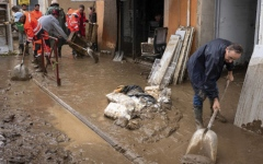 Photo: France floods death toll rises to 14; 1 still missing