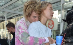 Photo: Justin Bieber and Hailey Baldwin 'confirm' marriage to fan