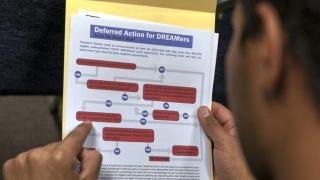 Photo: Trump administration seeks prompt immigration ruling