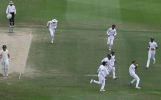 Photo: Four-wicket Abbas brings Pakistan to verge of victory