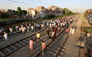 Photo: India train disaster families protest amid anger over safety