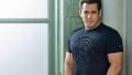 Photo: Salman Khan stays human