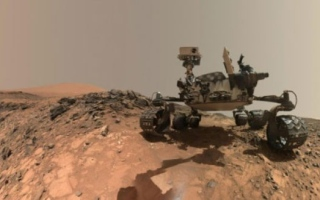 Photo: How to drive a robot on Mars