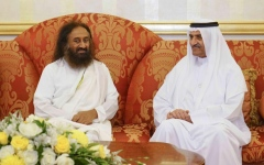 Photo: Fujairah Ruler receives Indian Spiritual Master