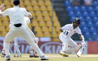 Photo: England 346 all out, Sri Lanka need 301 to win 2nd Test
