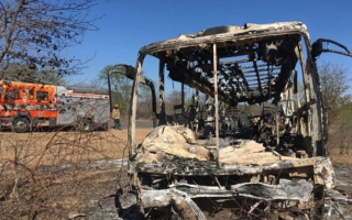 Photo: Passengers in Zimbabwe caught in bus fire; 40 killed