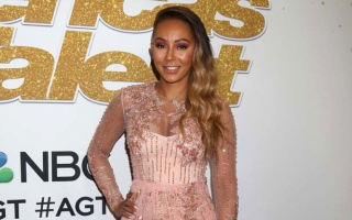 Photo: Mel B needed dad's death to get divorced