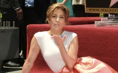 Photo: Jennifer Lopez's Walk of Fame star is vandalised