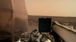 Photo: NASA's InSight lander 'hears' wind on Mars