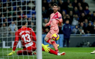 Photo: Messi's free-kick magic keeps Barca top
