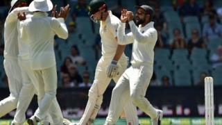 Photo: Marsh and Head fall as India close on Australia Test win
