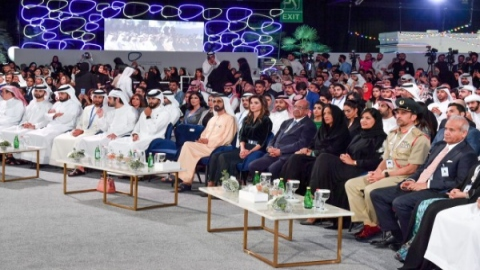 Photo: Mohammed bin Rashid attends main session of 3rd Arab Social Media Influencers Summit