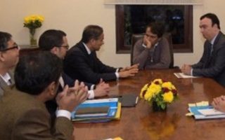 Photo: Indian Minister of Trade meets with UAE Ambassador, Chairman of Emaar Properties