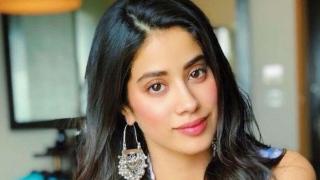 Photo: Janhvi Kapoor gets her first award