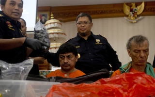 Photo: Indonesia arrests 5 foreigners in Bali for drug smuggling