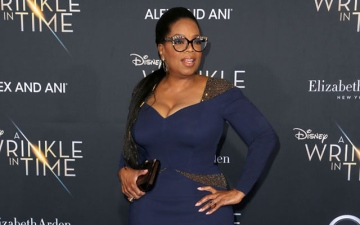 Photo: Oprah Winfrey battled pneumonia