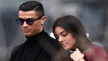 Photo: Cristiano Ronaldo sick of fame