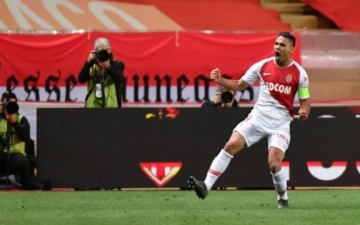 Photo: Monaco victory virtually ensures Ligue 1 safety