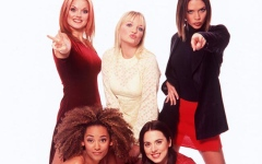 Photo: Spice Girls reunion tour costumes 'honour' the '90s