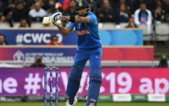 Photo: Kohli 'walks' but replays suggest India captain was not out