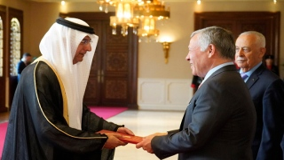Photo: King of Jordan receives credentials of UAE Ambassador