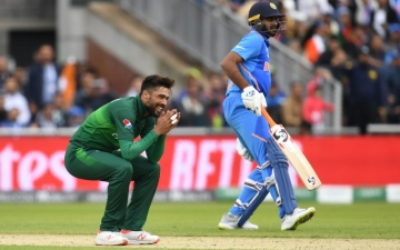 Photo: Pakistan intimidated by India's excellence: Waqar