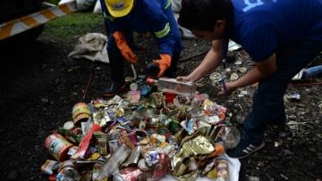 Photo: Abandoned tents, human waste piling up on Mount Everest