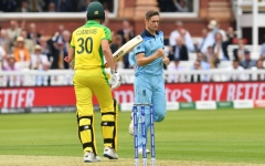 Photo: Australia set England 286 to win at Lord's