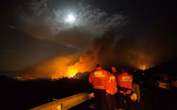 Photo: More evacuations as Canary Islands fire out of control