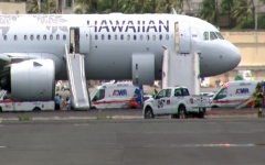 Photo: 7 sent to hospital after smoke fills cabin of Hawaii flight